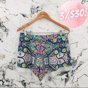 💖3/$30💖 UK2LA Paisley Lace High Waist Shorts